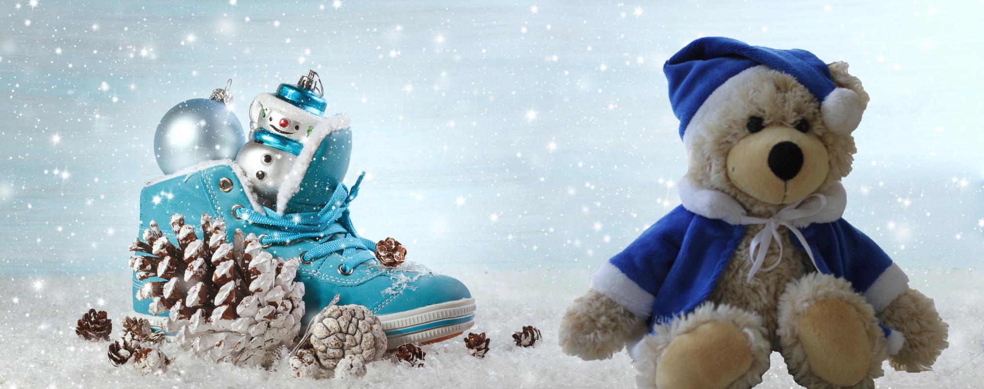 Teddy im Schnee mit Nikolausschuh