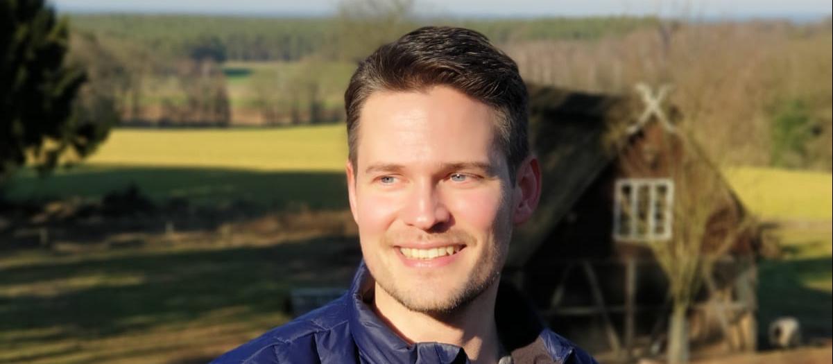 Dennis Schöneberg, Trainee im Vertrieb der Allianz in Hamburg