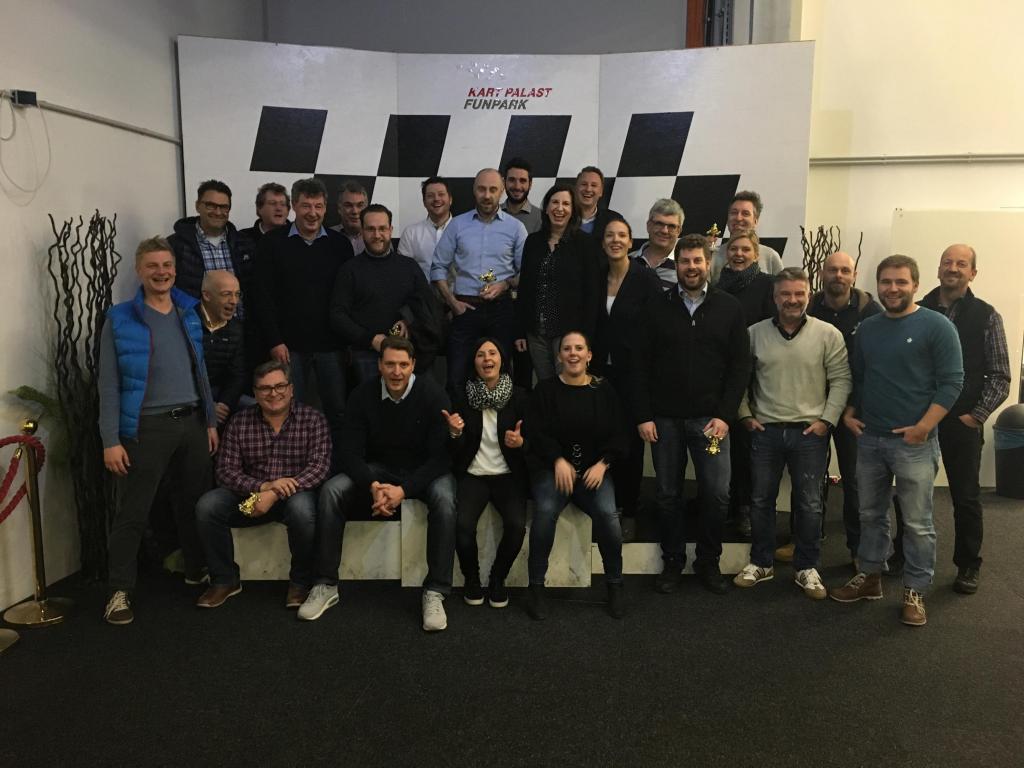 Team Weilheim beim Kartfahren
