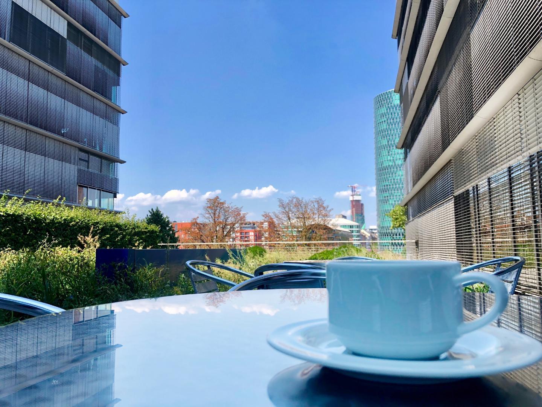Kaffee auf der Dachterasse bei der Allianz im Vertrieb