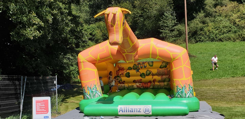 Kinderhüpfburg  beim Allianz Familienfest der Geschäftsstelle Saarbrücken