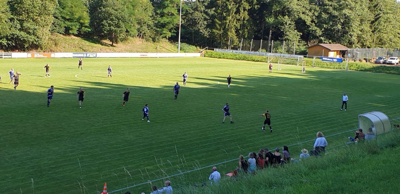 Fußballspiel beim Allianz Familienfest der Geschäftsstelle Saarbrücken