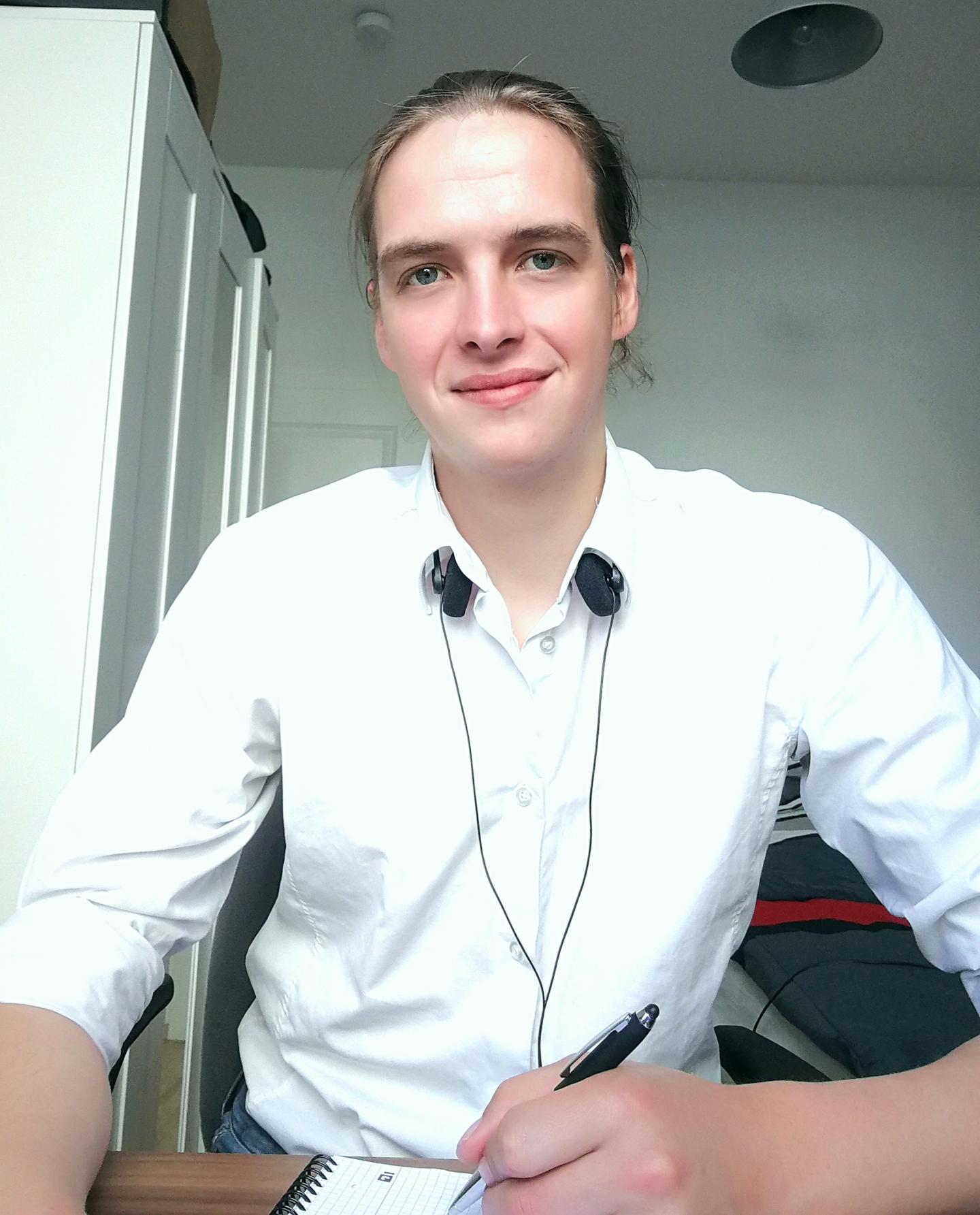 So sieht mich mein Laptop, mein treuester Arbeitskollege im HomeOffice, den ganzen Tag